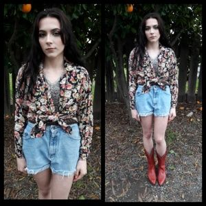 Vintage 90's oversized floral button down top!